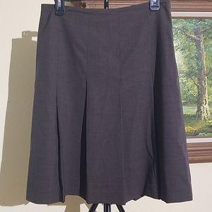 Banana republic light weight wool skirt C31